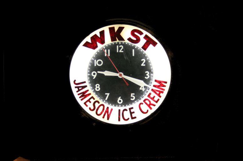 2011-11-09 jameson clock 001